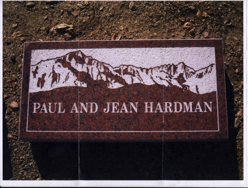 Small_mom_and_dad_s_headstone